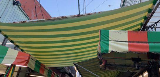 巻上げテント